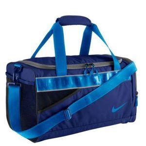 Taška Nike Varsity Duffel BA4732-447 vyobraziť